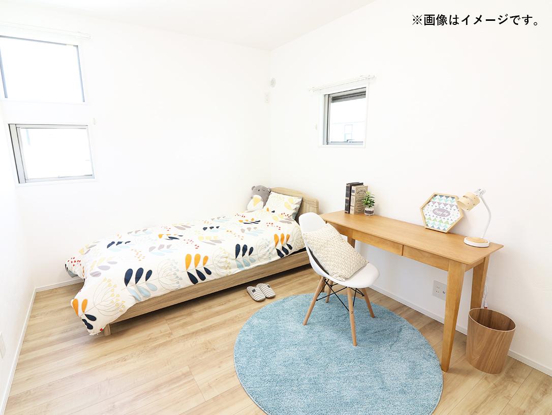 2階は3室確保!子ども部屋もしっかり取れます。自分だけの空間が嬉しい♪ ※施工事例です。実際の建物とは異なります。詳しくはお問い合わせください。