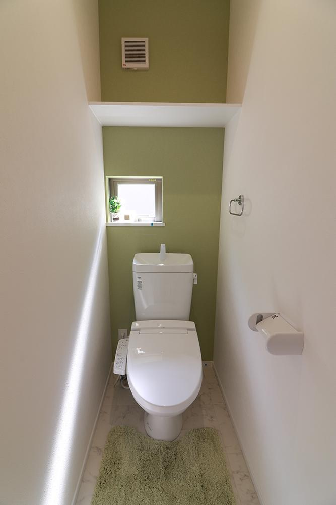 2階にもトイレを設置!夜間に1Fへ降りることもないのでお子様でも安心できます♪ ※施工事例です。実物とは異なります。